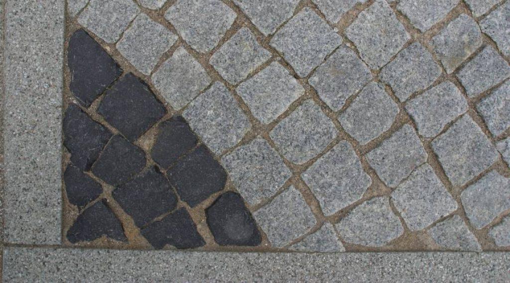 cobblestone patio 1024x569 1